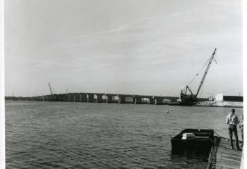 General view of the new piers, looking south. 09/1968.