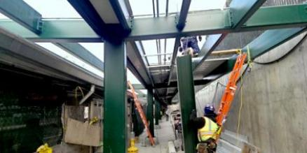 Outbound platform installation at Fordham station